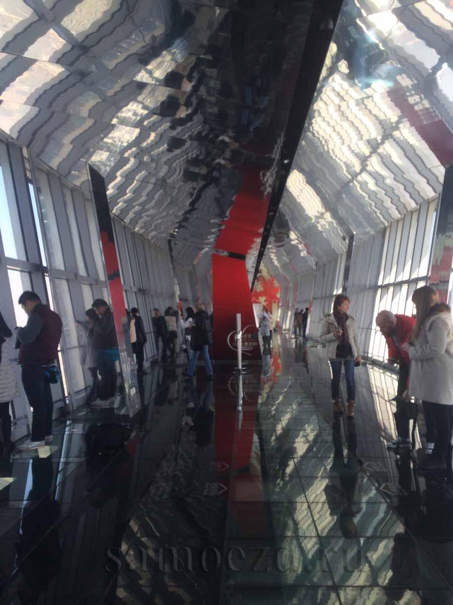 Смотровая площадка со стеклянным полом SWFC